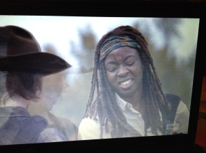Michonne lets Carl win. #bettermotherthanlori