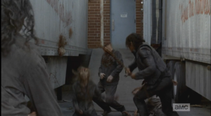 daryl chain whips the walkers 2