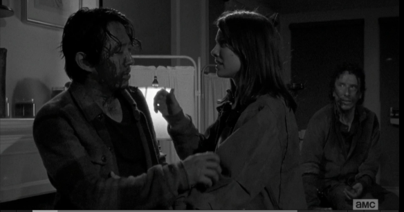 Maggie comes rushing in, sees Tara awake, then Glenn. As she tends to him, Glenn puts his injuries off on